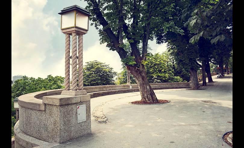 ZagrebStross.jpg